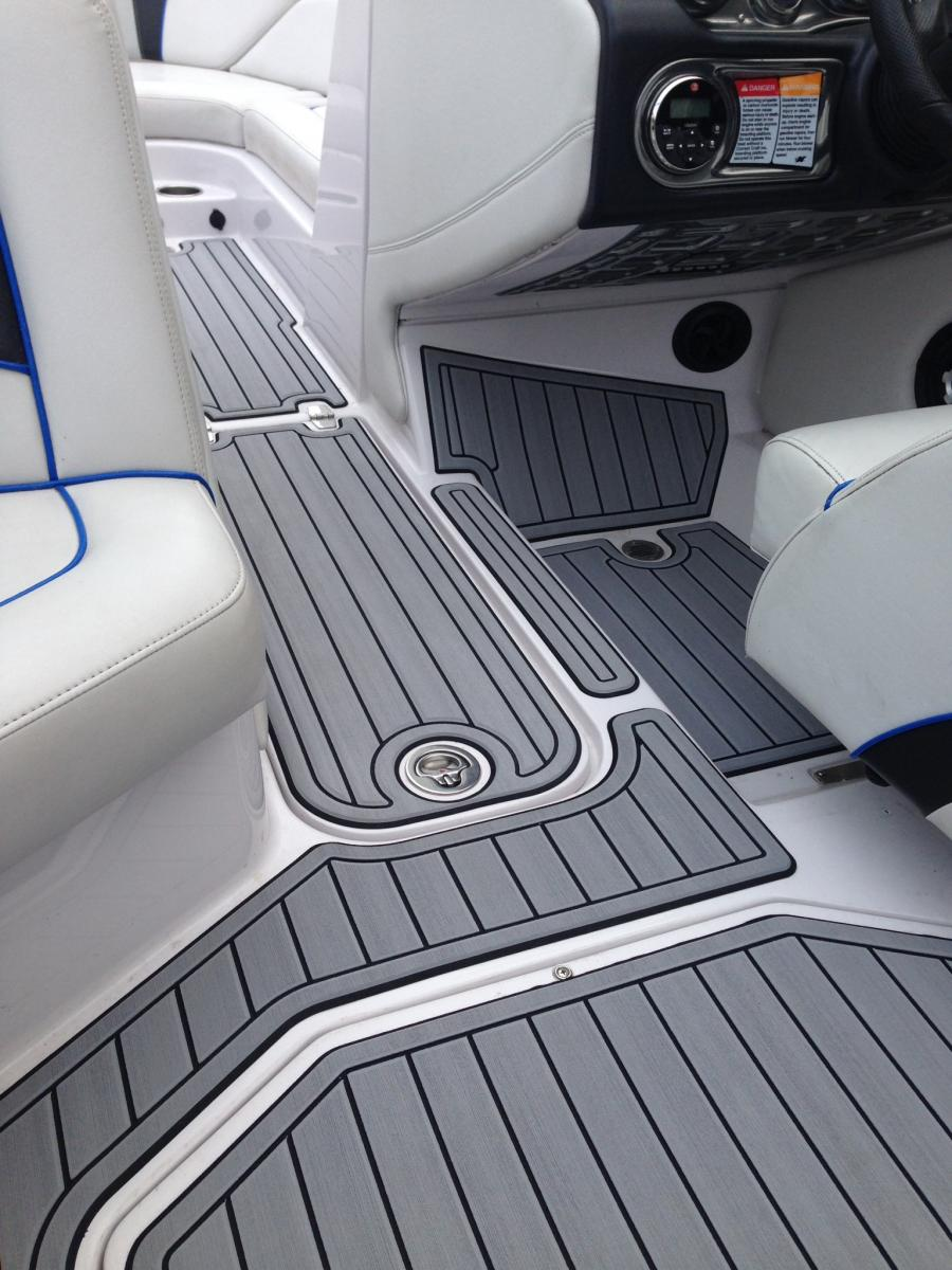 Seadek Non Skid Closed Cell Eva S Offer Safe And Comfortable Alternatives To Molded In Paint On Textures Other Marine Traction