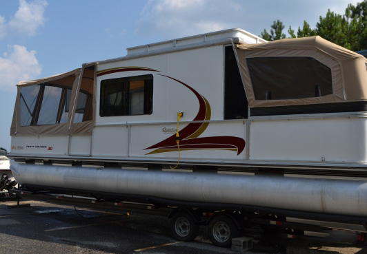 Pontoon Boat Services | On Site Boat Care